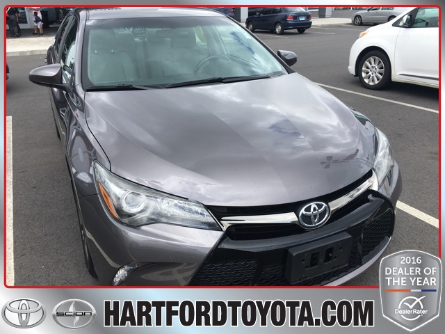 Pre-Owned 2016 Toyota Camry SE FWD 4D Sedan